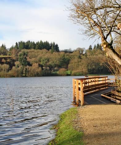 Promenade autour du lac ©R. Reiter