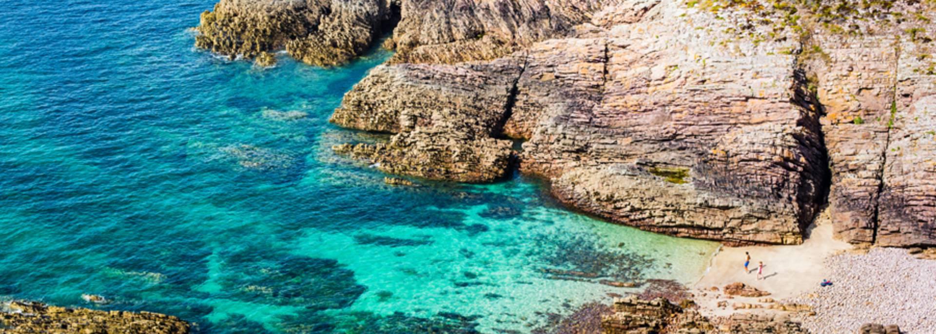 eaux turquoises au cap d'erquy